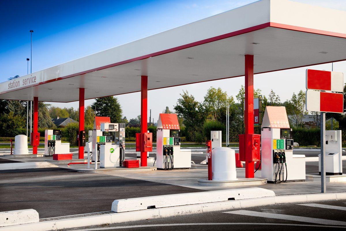 Monitoraggio affissioni nei distributori di carburante